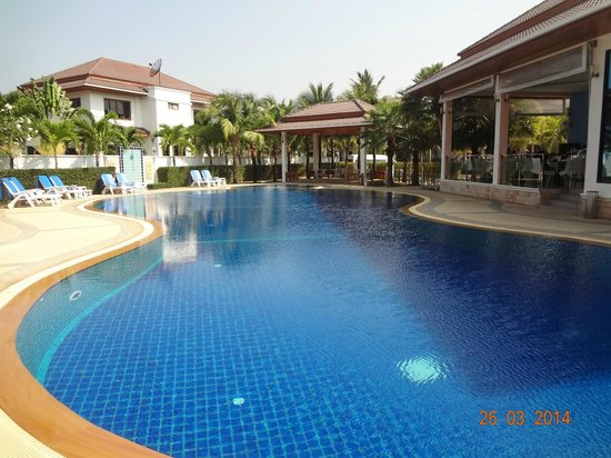 Rawai Grand House: Superbe piscine
