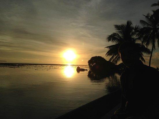 Anantara VeliMaldivesResort: enjoying the sunset