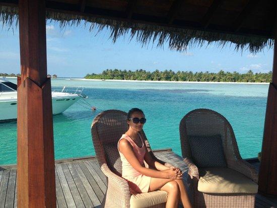 Anantara VeliMaldivesResort: waiting for the boat