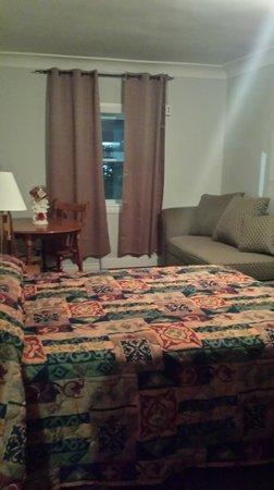 Tulip Motel : 2 Room Suite