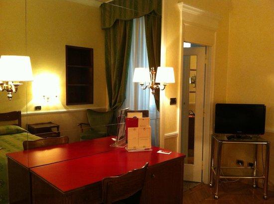 Bettoja Massimo D'Azeglio Hotel: camera doppia