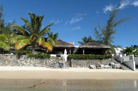 The Bay : Hotel vue de la plage à ses pieds