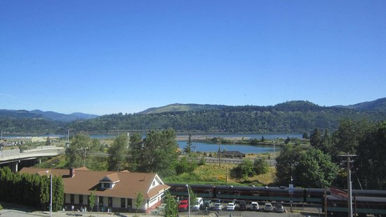 Hood River Hotel: View from our room
