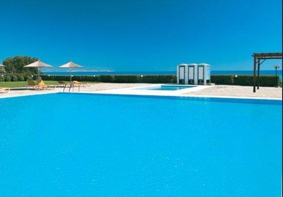 Tinos Beach Hotel: Η πισινα στο tinosbeach