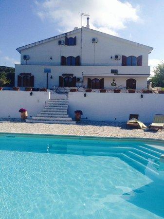Il Sogno di Alghero : The house from the pool