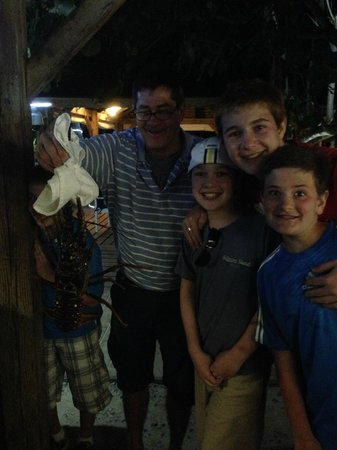 Mr. Busby's Beach Bar : We found the perfect lobster!