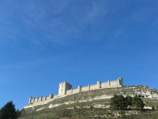 Castillo de Peñafiel: Castelo de Penafiel visto da Cidade