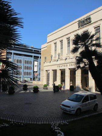 iQ Hotel Roma: Opera house and Iq hotel