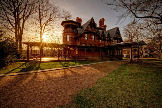 Hartford, CT : Twain House at Sunset - photo by Frank Grace