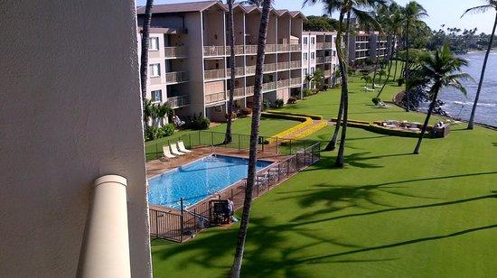 Maalaea Kai Resort Condominium: View of pool