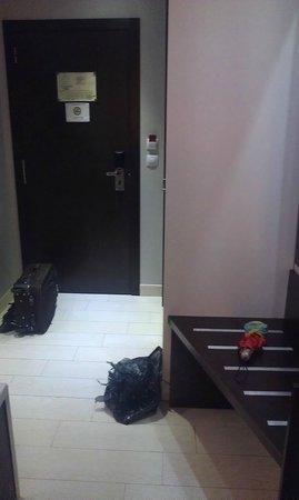 Hotel & Spa Villa Olimpica Suites : Вход в номер.