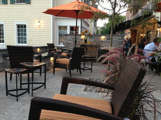 124 on Queen Hotel and Spa: Outdoor Dining