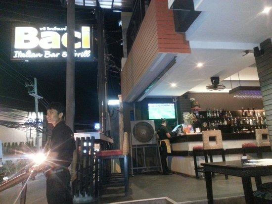 Baci Italian Bar & Grill: Front restaurant near ozo hotel