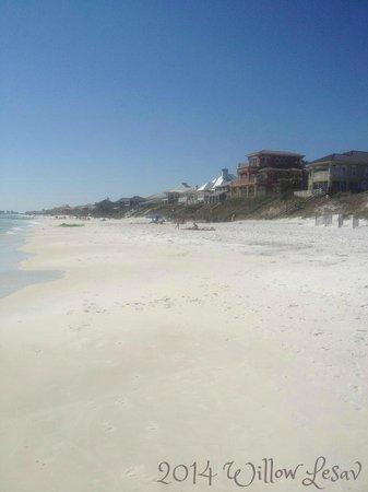 Santa Rosa Beach: View up the beach to the West towards Destin and Panama City Beach.