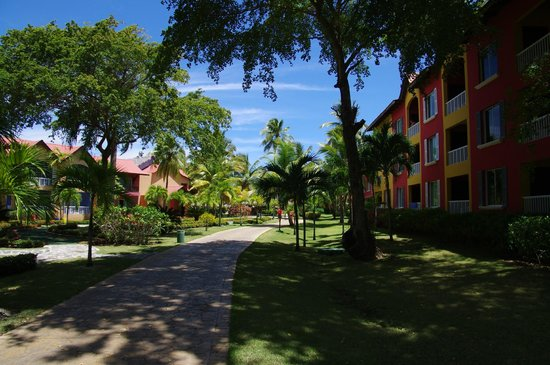 Tropical Princess Beach Resort & Spa : Chambres vers la piscine n°3