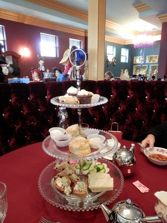 Linde Lane Tea Room: Our Tea goodies