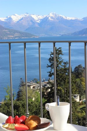 Breakfast with a view - Picture of Borgo Le Terrazze, Bellagio ...