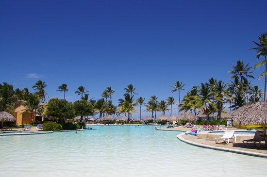 Tropical Princess Beach Resort & Spa: Piscine n°2