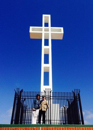 Mount Soledad: Mom and Grandpa at the top of Mt Soledad