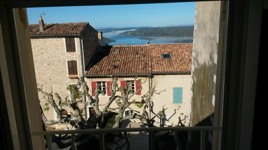 Hotel du Vieux Chateau : view of lake from room