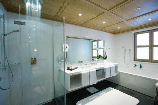 Burg Vital Resort: Badezimmer