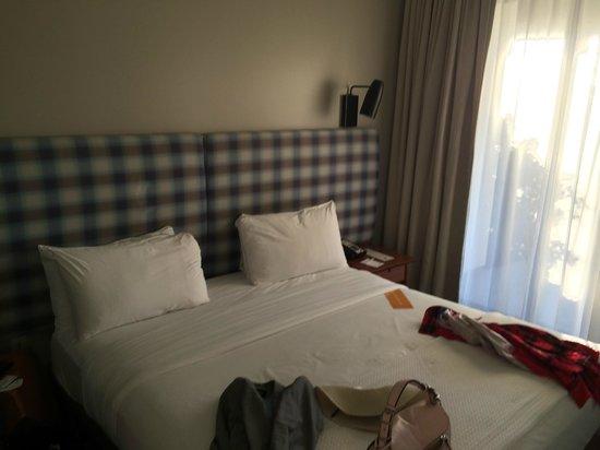 Kimpton Shorebreak Hotel: two beds in junior suite