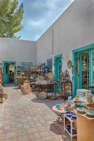 Clay Hands Gallery & Studio : Clay Hands patio.