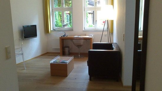 Hezelhof Hotel: Wohnraum