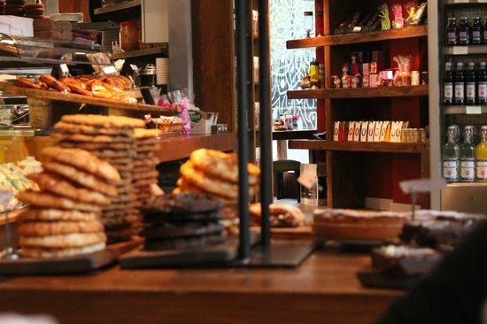 Del'Aziz - Bermondsey: Dolci e cookies esposti