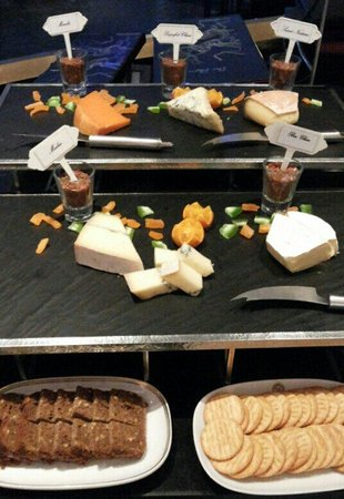The Rain Tree Cafe at The Athenee Hotel: Cheese station