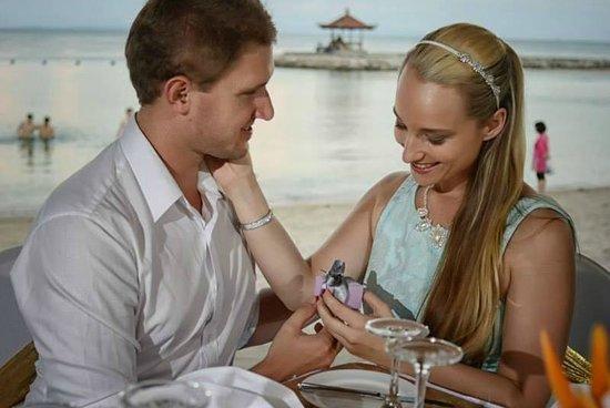 Bali Tropic Resort and Spa: Romantic Dinner