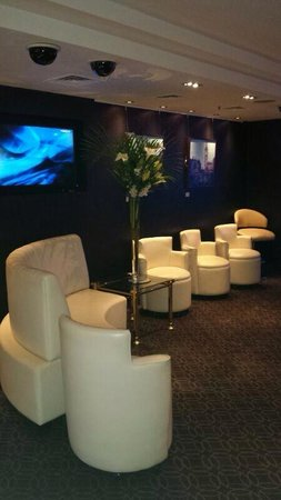 The Barracuda: The White Room