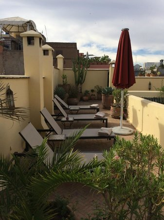 Riad Azzar : Rooftop Lounge Area