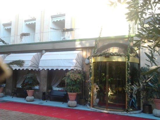 Hotel Terme Patria : L'ingresso