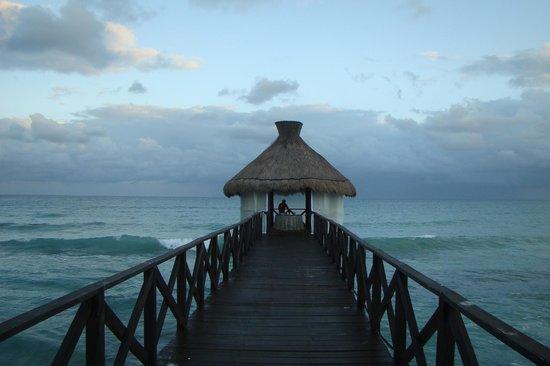 Ocean Breeze Riviera Maya Hotel: Praia
