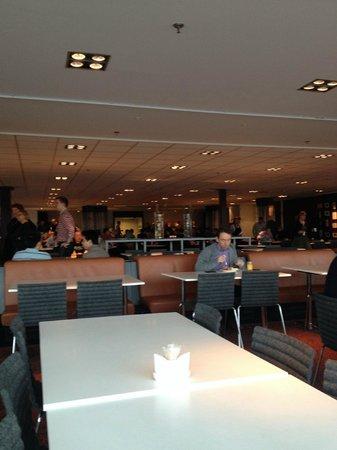 Clarion Hotel Stockholm: Сама столовая и ресторан