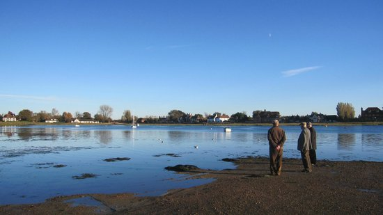 Marwick's Brasserie Restaurant: Bosham with tide out