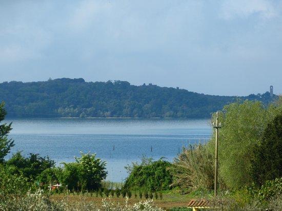 Il Borgo sul Lago : vista desde el recinto