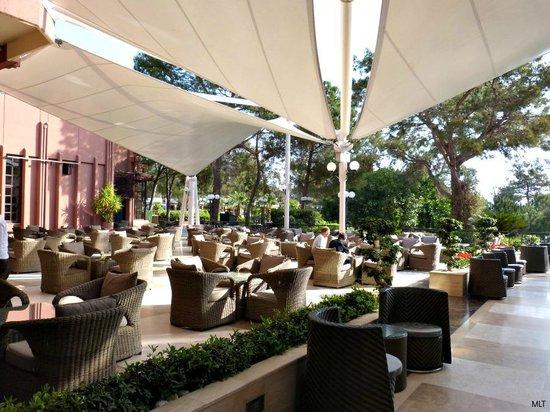 Renaissance Antalya Beach Resort & Spa: The terrace at the lobby bar