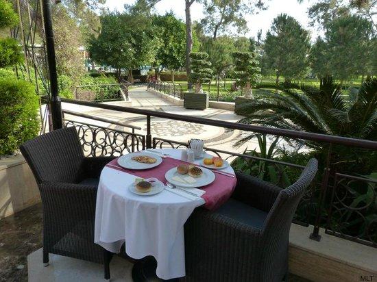 Renaissance Antalya Beach Resort & Spa: The terrace for breakfast and dinner