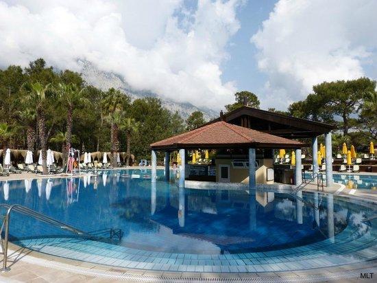Renaissance Antalya Beach Resort & Spa: The biggest outside pool