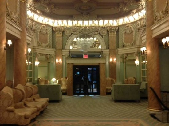 Wolcott Hotel: Hall