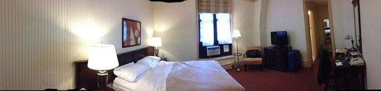 Wolcott Hotel: panoramic view room 1119