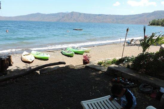 Paradiso Hostel : free kayaks