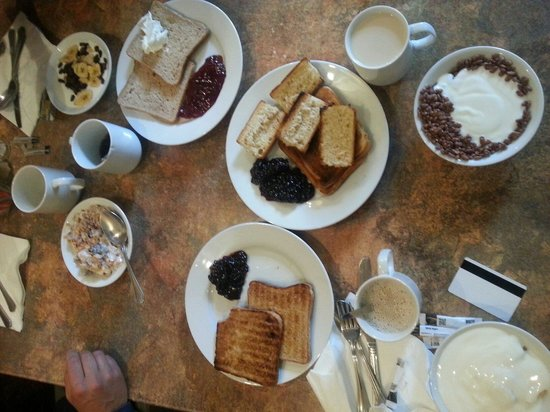 Berjaya Eden Park London Hotel: colazione continentale
