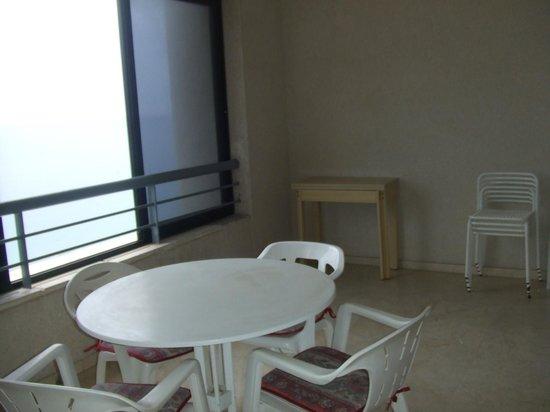 Torre Levante Apartments: terraza