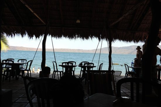 Paradiso Hostel : view from the lower bar