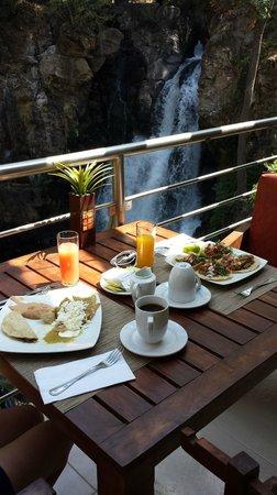 Mision Grand Valle de Bravo : Excelente vista para comer