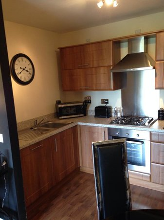 Oakhill Apartments: kitchen