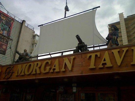 Hotel Magic Villa de Benidorm: Morgan Tavern aka Neptunes Bar in TV Programme Benidorm